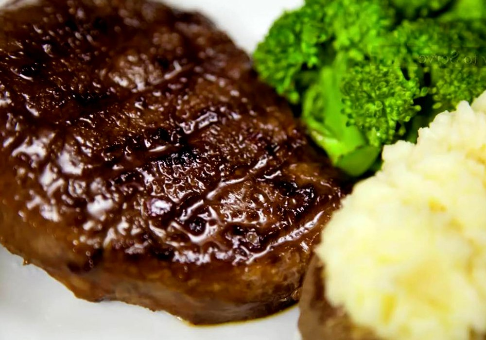 Біфштекс зі свинини - покроковий рецепт, фото 1