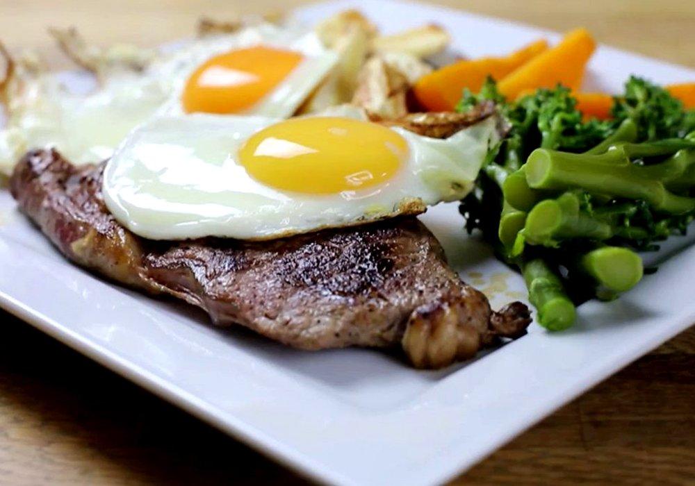 Біфштекс з яйцем - покроковий рецепт, фото 1
