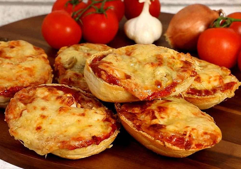 Быстрая «пицца» на хлебе - пошаговый рецепт, фото 1