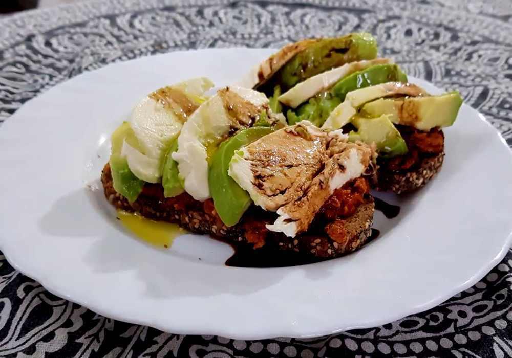 Брускетта из черного хлеба - пошаговый рецепт, фото 1