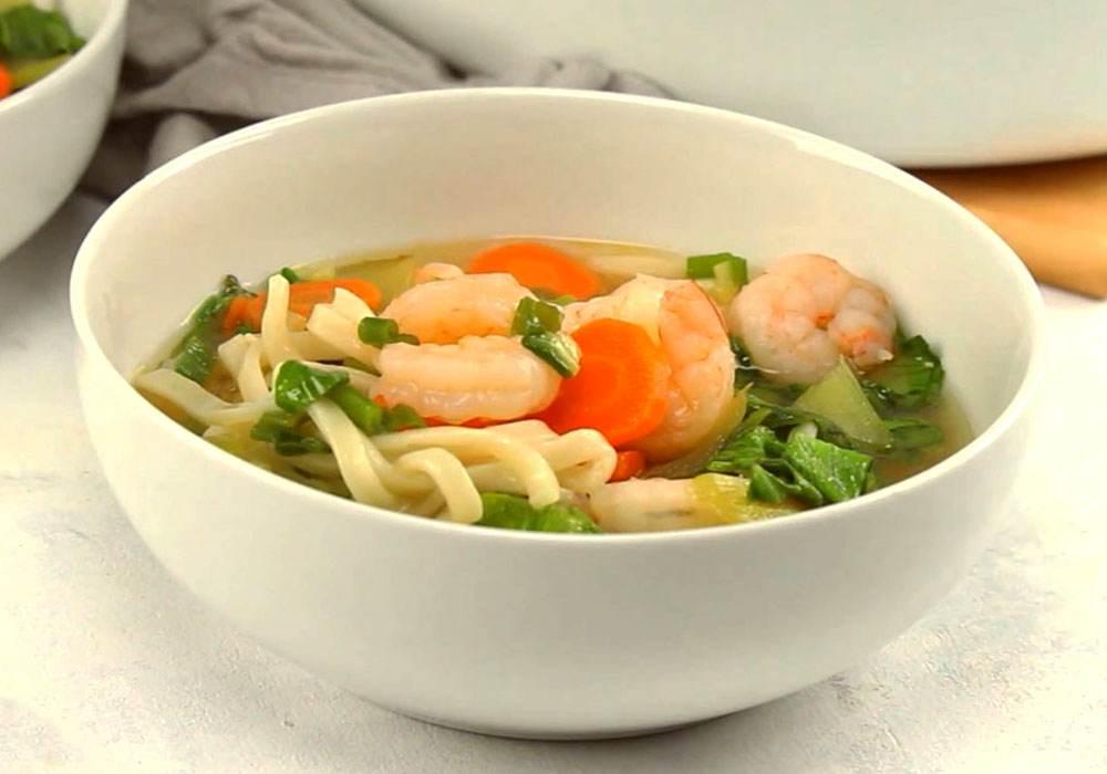 Бульон с лапшой и морепродуктами - пошаговый рецепт, фото 1