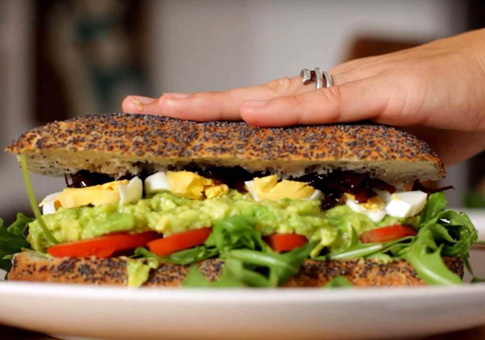 Бутерброд з авокадо - покроковий рецепт, фото 1