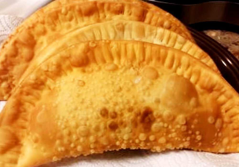 Чебуреки в сковороде - пошаговый рецепт, фото 1