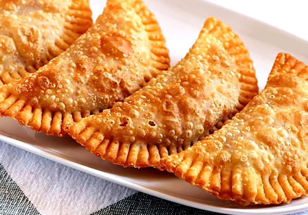 Чебуреки с начинкой - пошаговый рецепт, фото 1
