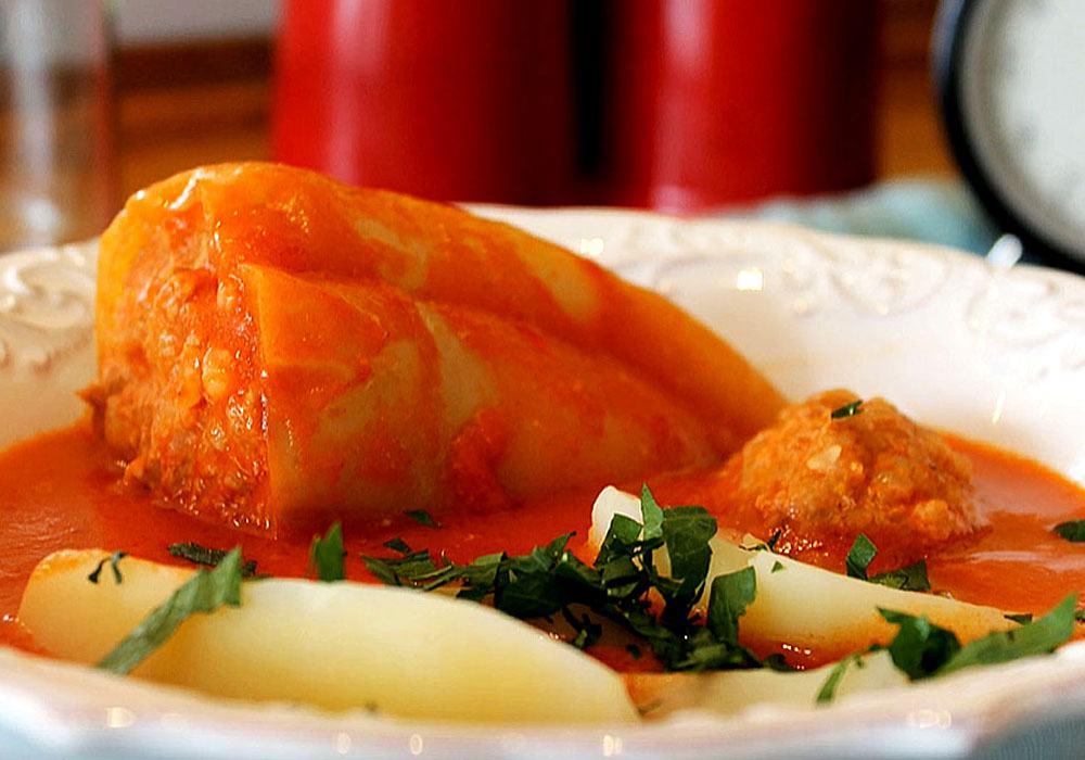 Фарширований перець в томатно-сметанному соусі - покроковий рецепт, фото 1