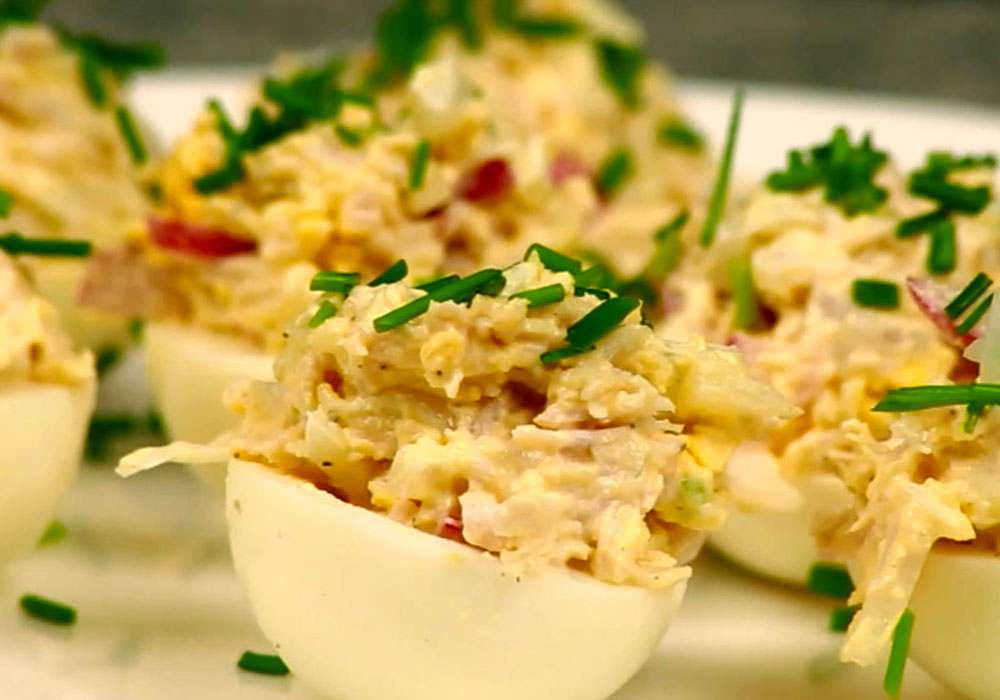 Фаршировані яйця з шинкою і червоним перцем - покроковий рецепт, фото 1