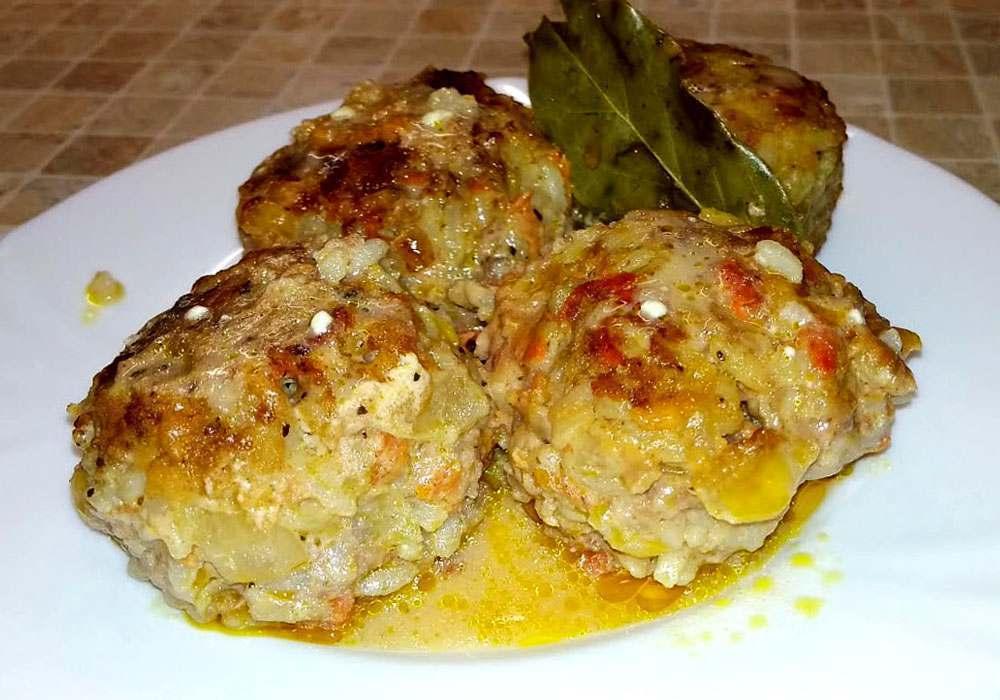 Фрикадельки з рисом в соусі - покроковий рецепт, фото 1
