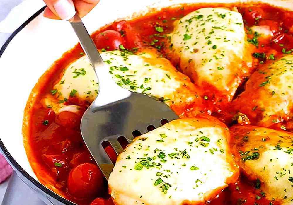 Смажене куряче філе з помідорами і сиром - покроковий рецепт, фото 1