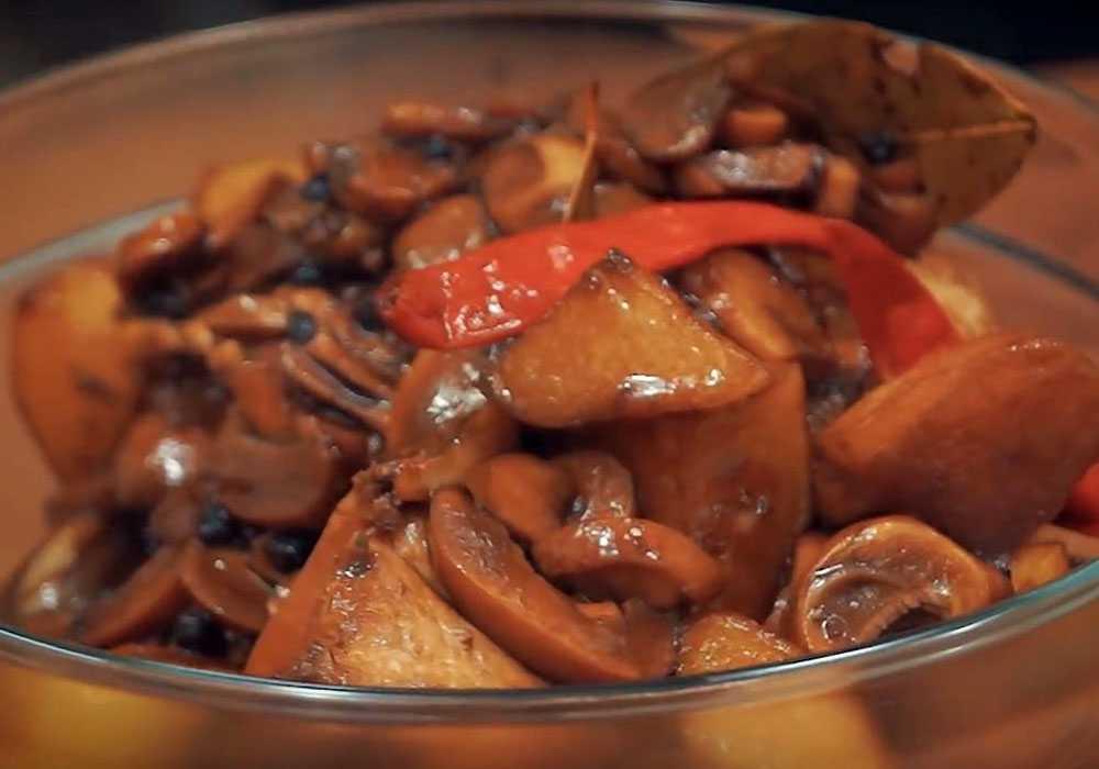 Печеня з курки в сковороді - покроковий рецепт, фото 1