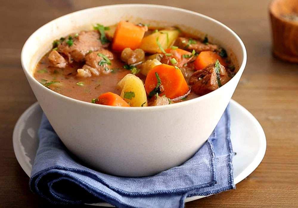 Печеня в мультиварці зі свинини з картоплею - покроковий рецепт, фото 1