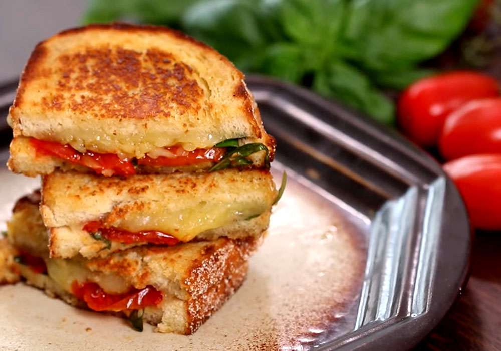 Горячие бутерброды с помидором, сыром и чесноком la tartine - пошаговый рецепт, фото 1