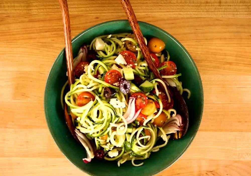 Греческий салат классический с цуккини - пошаговый рецепт, фото 1