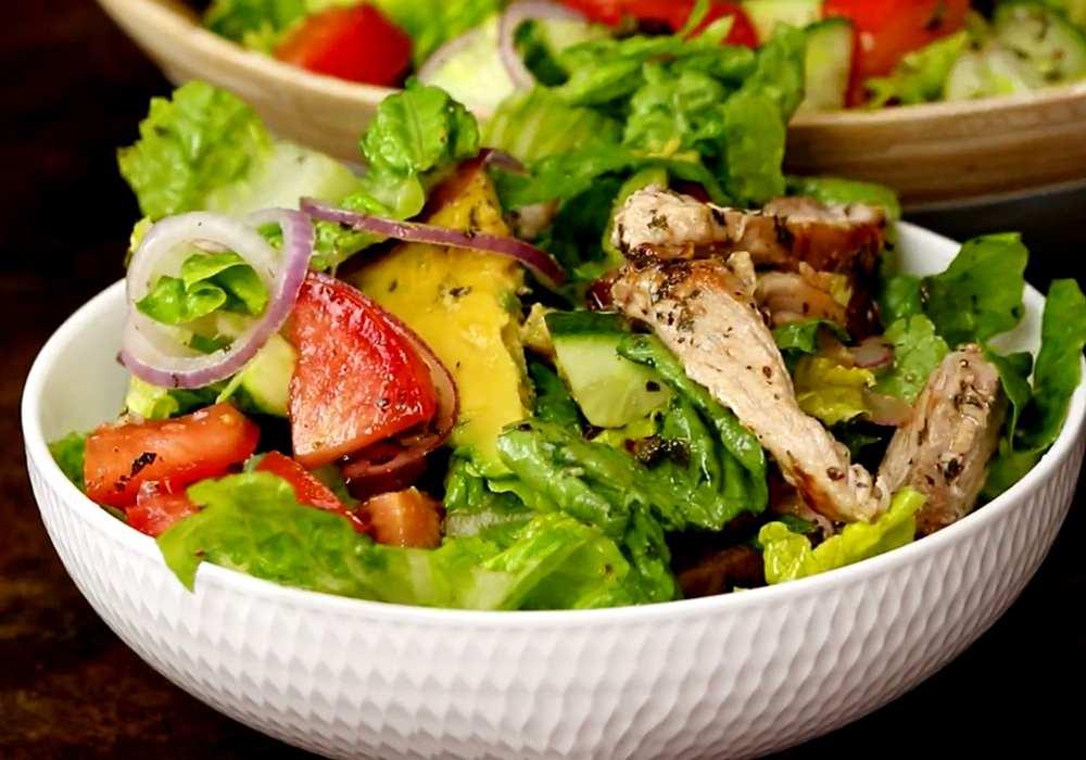 Греческий салат с курицей и авокадо - пошаговый рецепт, фото 1