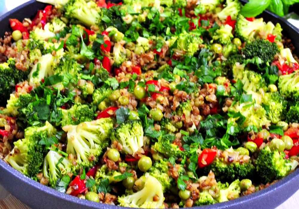 Гречневая каша, тушенная с овощами - пошаговый рецепт, фото 1