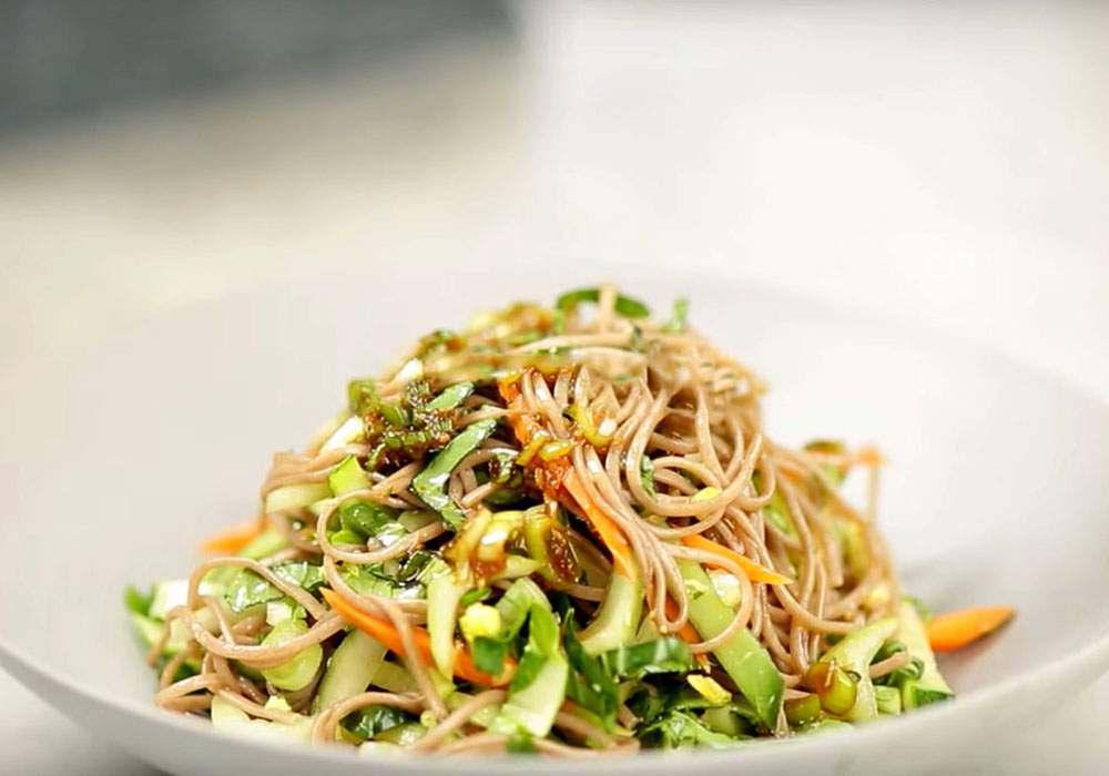 Гречневая лапша с овощами - пошаговый рецепт, фото 1