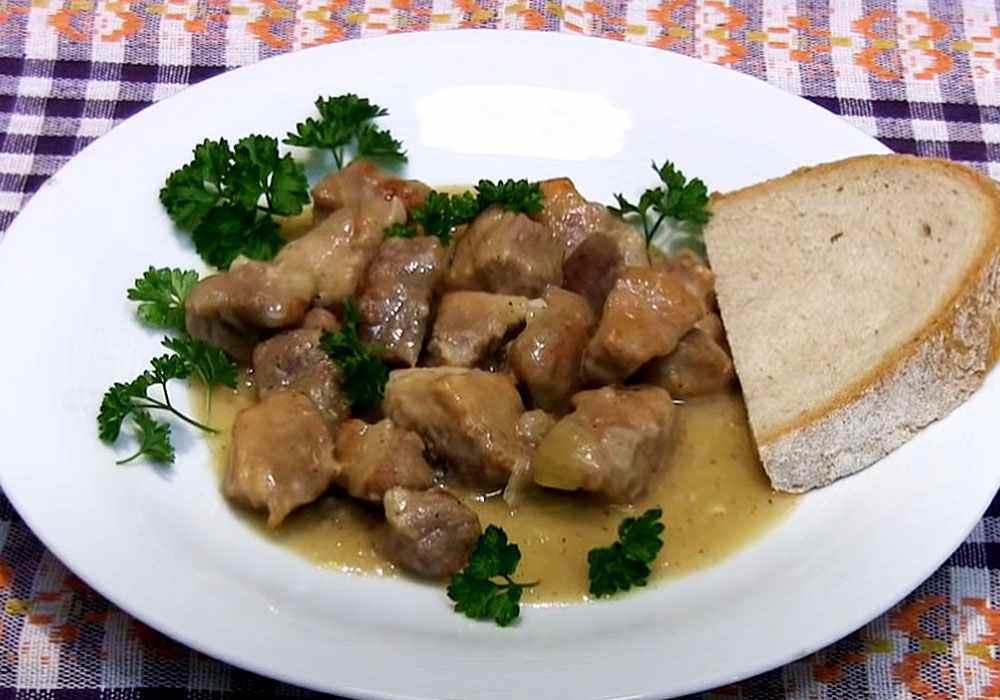 Гуляш из свинины без томатной пасты - пошаговый рецепт, фото 1