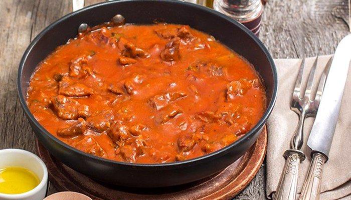 Гуляш з томатною пастою - покроковий рецепт, фото 1
