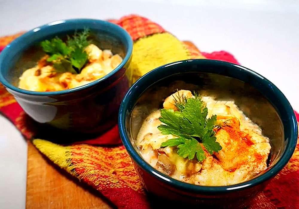 Жульен в горшочке с курицей и грибами - пошаговый рецепт, фото 1