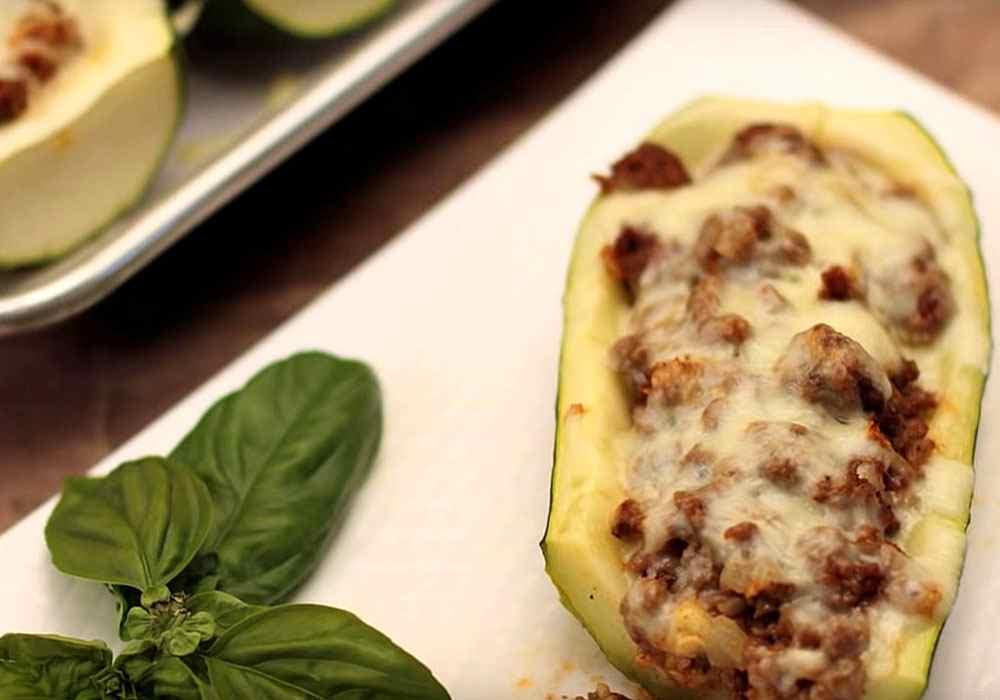 Кабачки фаршированные фаршем с сыром в духовке - пошаговый рецепт, фото 1