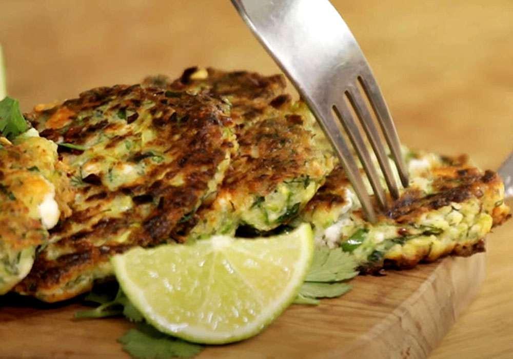 Кабачковые оладьи с сыром быстро и вкусно - пошаговый рецепт, фото 1