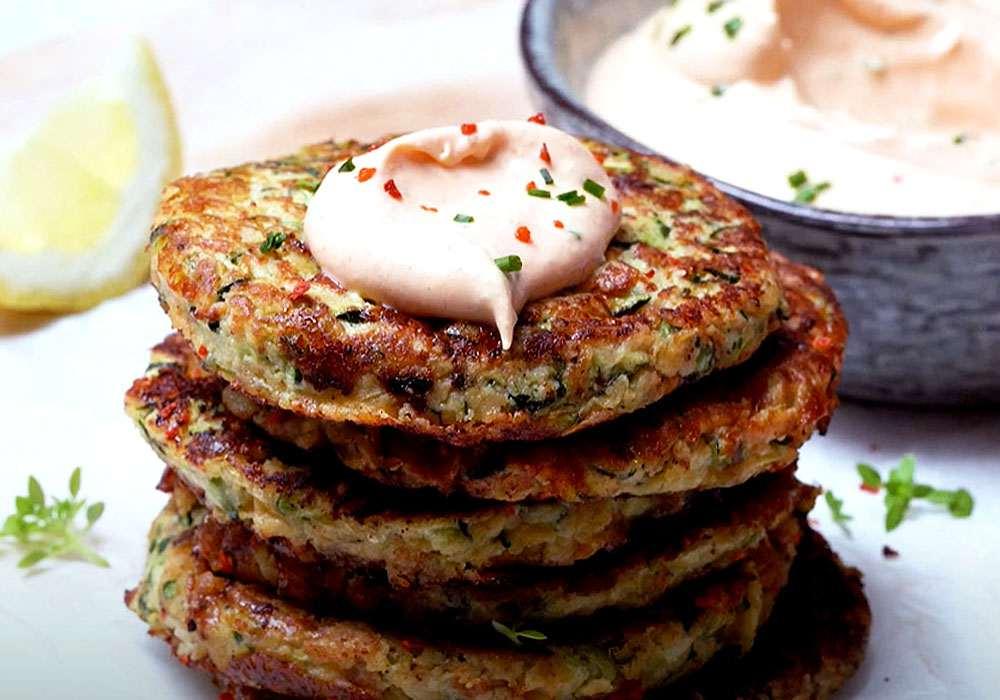 Кабачковые оладьи с сыром и чесноком - пошаговый рецепт, фото 1