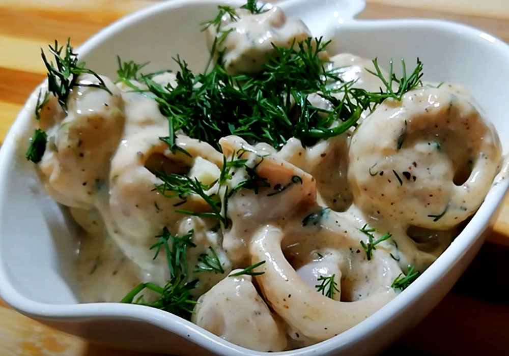 Кальмары со сметаной и чесноком - пошаговый рецепт, фото 1
