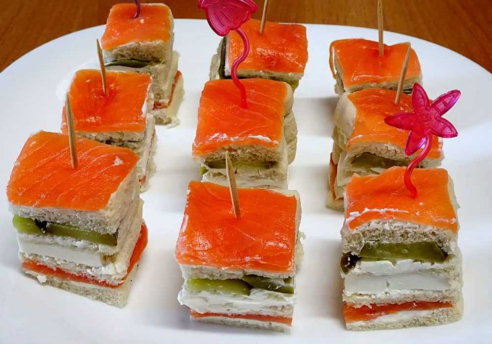 Канапе с красной рыбой на шпажках - пошаговый рецепт, фото 1