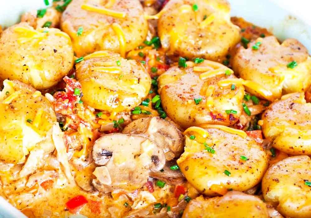 Картошка по-французски с курицей в духовке - пошаговый рецепт, фото 1
