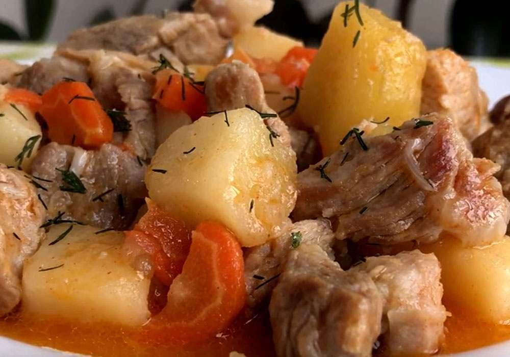 Картошка тушеная со свининой - пошаговый рецепт, фото 1