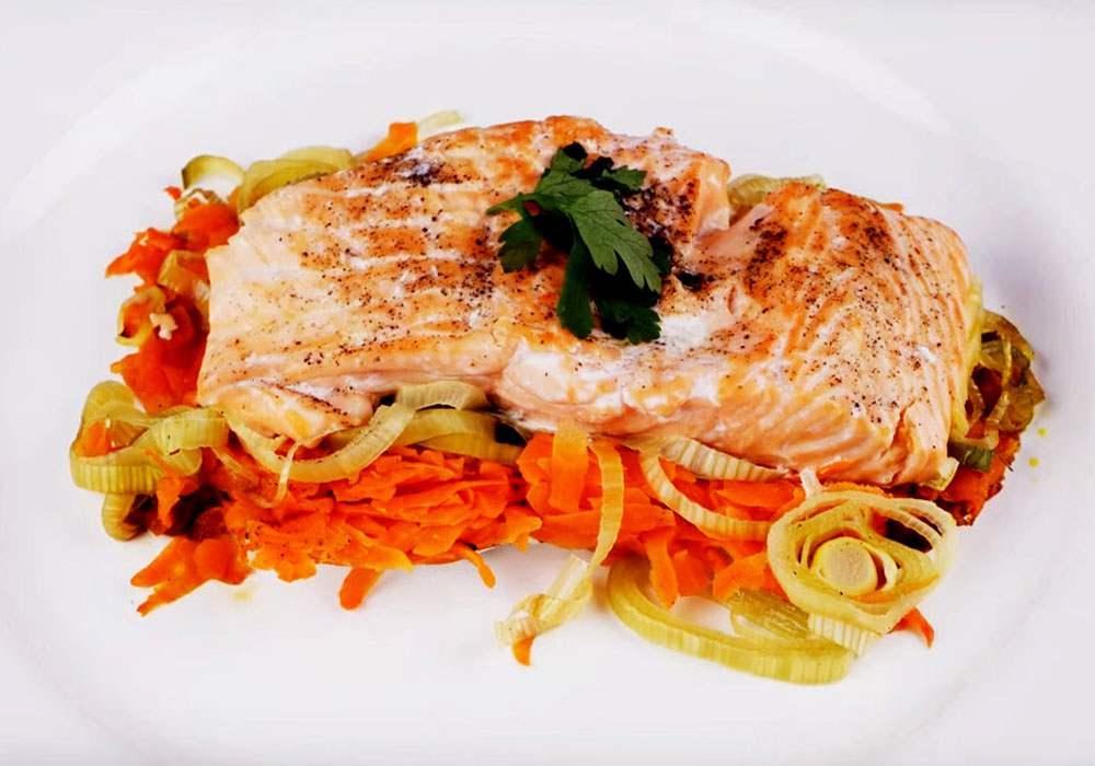 Червона риба у фользі в духовці - покроковий рецепт, фото 1