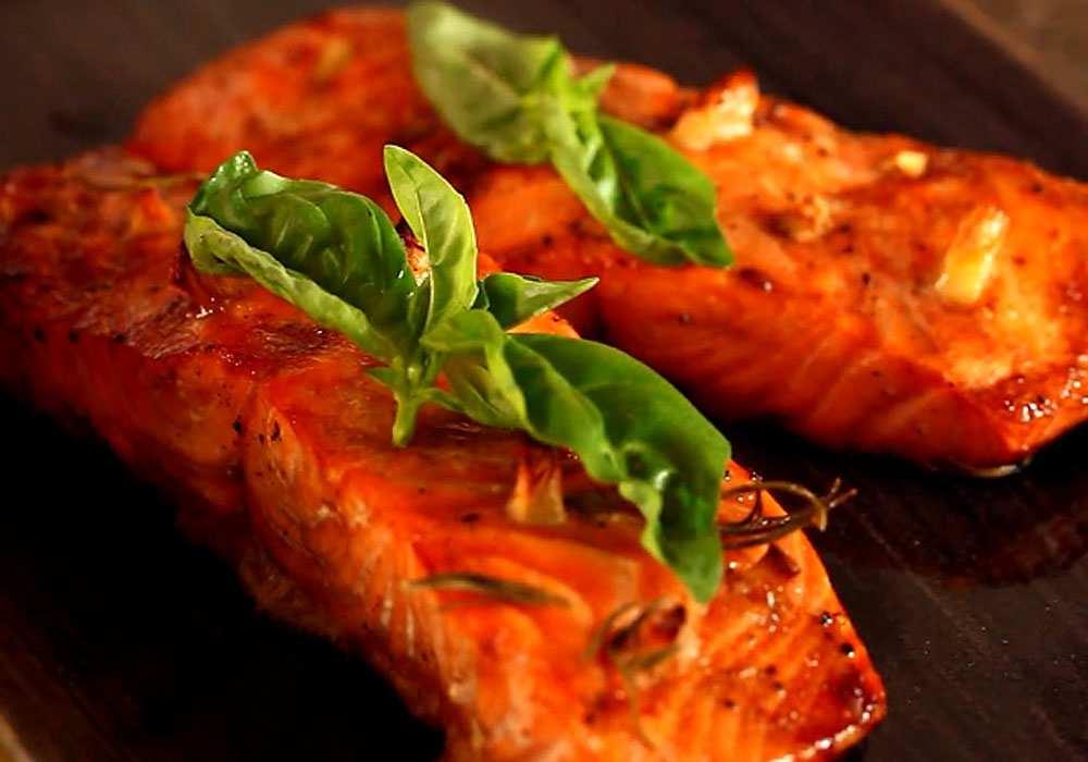 Червона риба, запечена в духовці - покроковий рецепт, фото 1
