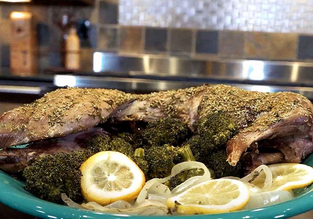 Кролик, запеченный с овощами - пошаговый рецепт, фото 1