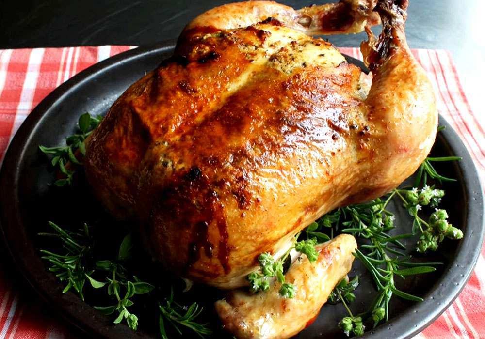 Курка цілком у духовці - покроковий рецепт, фото 1