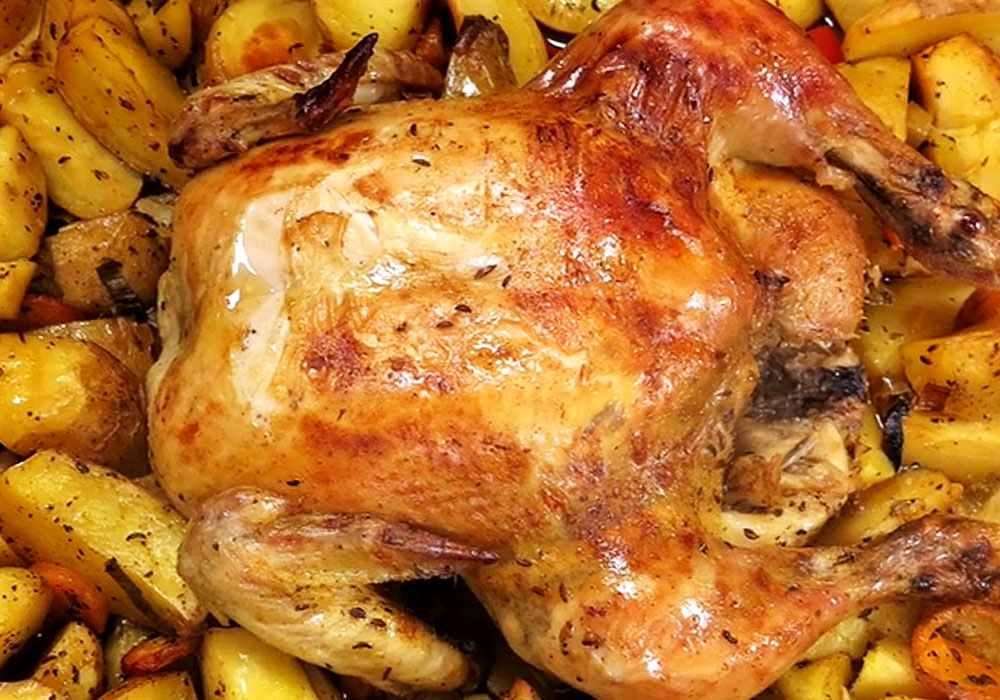 Курка, смажена в духовці з картоплею - покроковий рецепт, фото 1