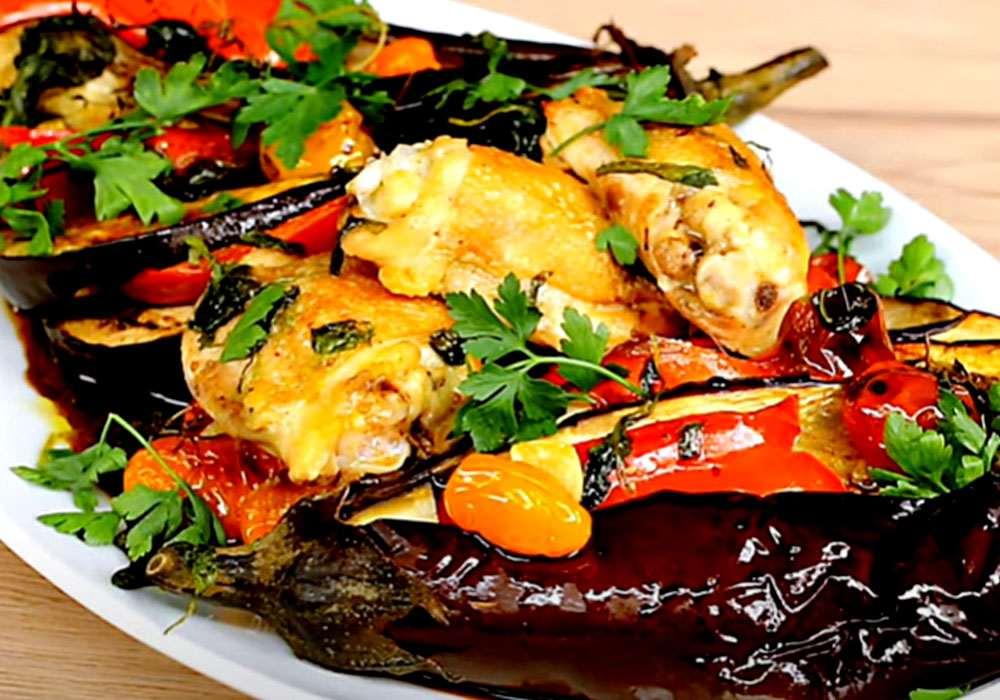 Курица с баклажанами и помидорами в духовке - пошаговый рецепт, фото 1