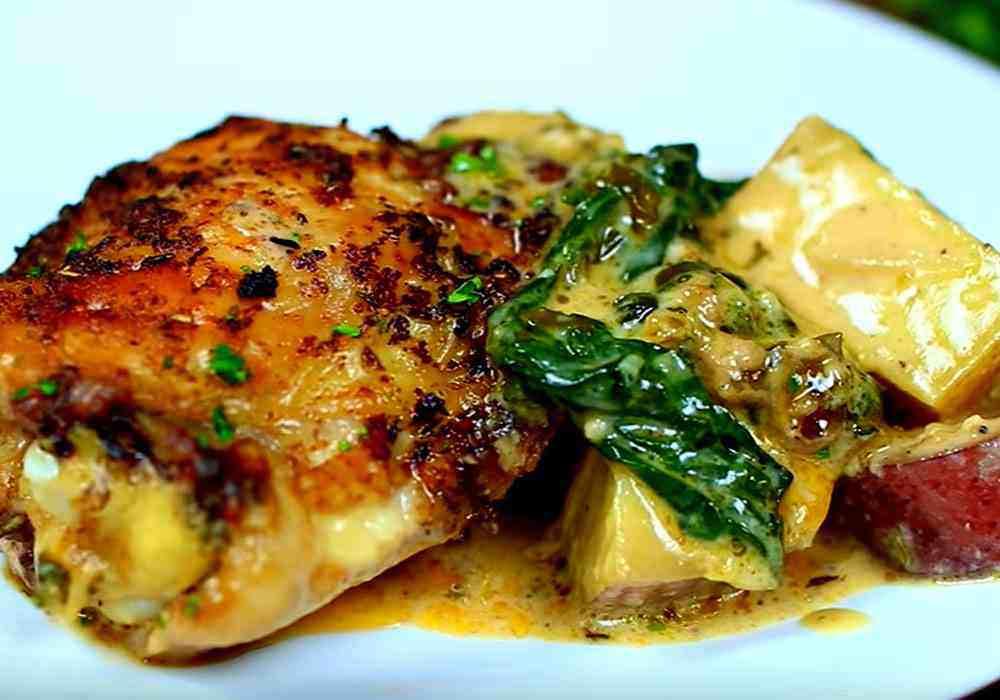 Курка в духовці з картоплею - покроковий рецепт, фото 1