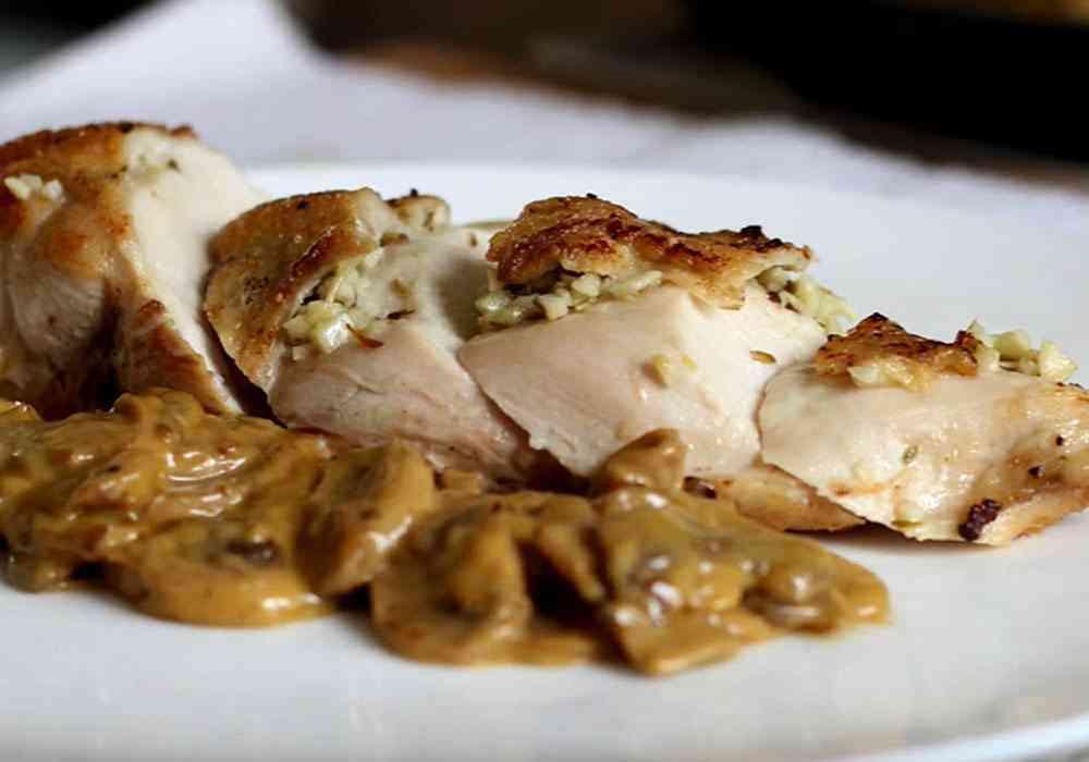 Куриная грудка с грибами в сливочном соусе - пошаговый рецепт, фото 1