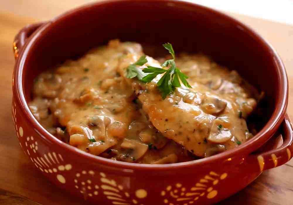 Куриное филе, тушенное с шампиньонами - пошаговый рецепт, фото 1