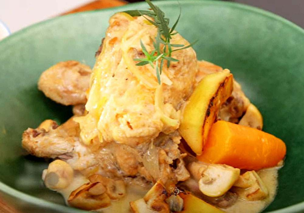 Куриное фрикасе с шампиньонами в сливочном соусе - пошаговый рецепт, фото 1