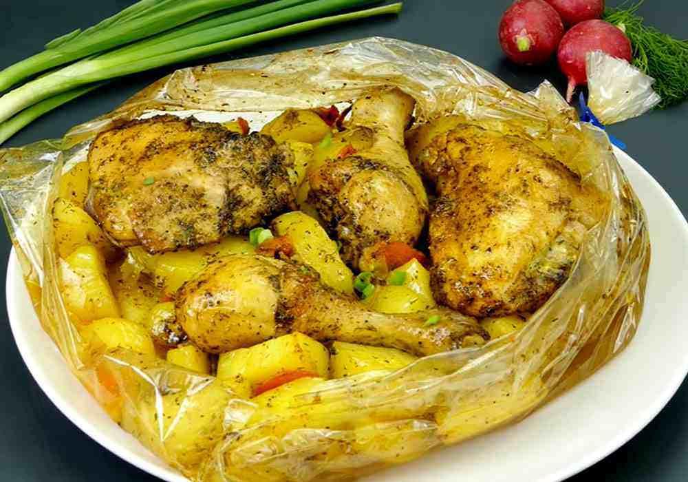 Курка з картоплею в духовці - покроковий рецепт, фото 1