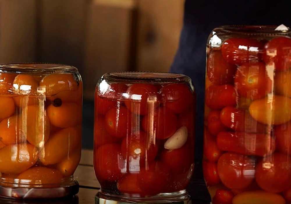 Квашеные помидоры в банках на зиму - пошаговый рецепт, фото 1