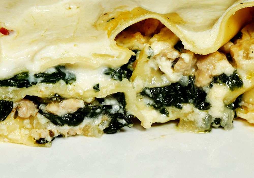 Лазанья с курицей и шпинатом - пошаговый рецепт, фото 1