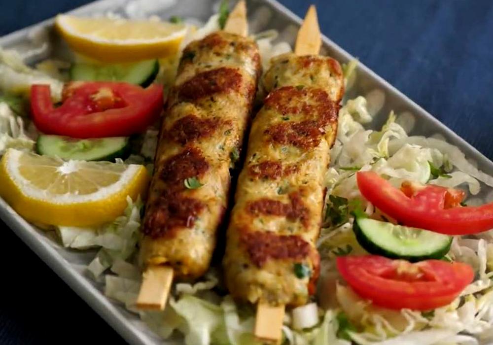 Люля кебаб из курицы на сковороде - пошаговый рецепт, фото 1