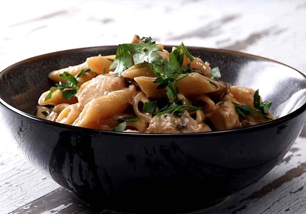 Макароны в сливочном соусе с грибами - пошаговый рецепт, фото 1