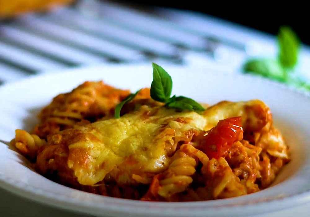 Макароны, запеченные с помидорами и сыром - пошаговый рецепт, фото 1