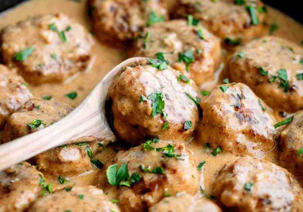 Мясные тефтели с рисом с подливкой - пошаговый рецепт, фото 1