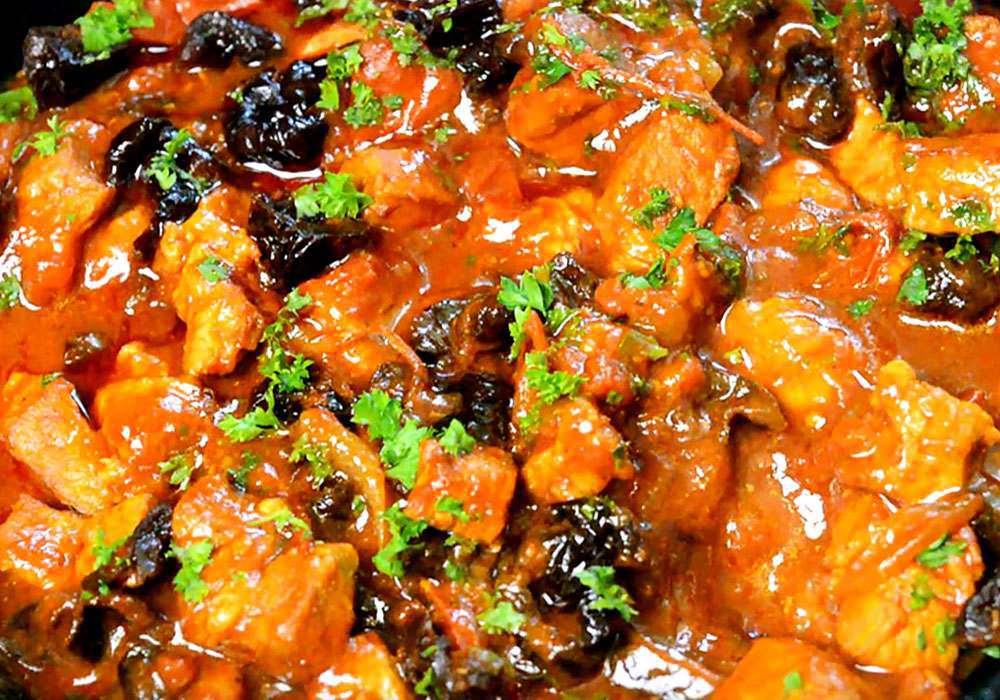 Мясо тушеное с черносливом - пошаговый рецепт, фото 1