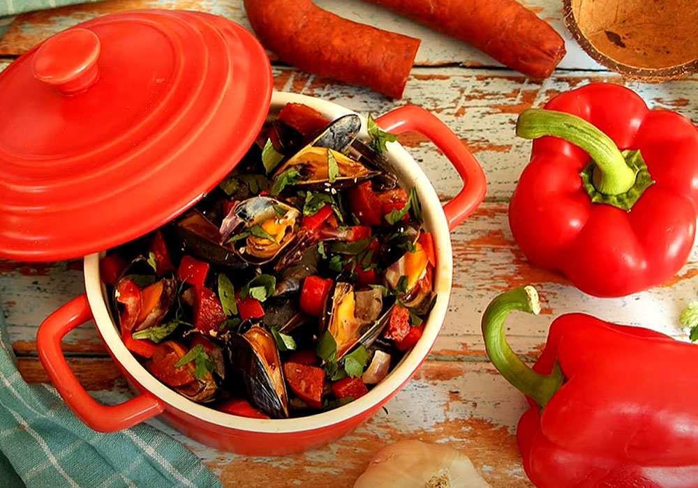 Мидии с шафраном и колбасками чоризо - пошаговый рецепт, фото 1