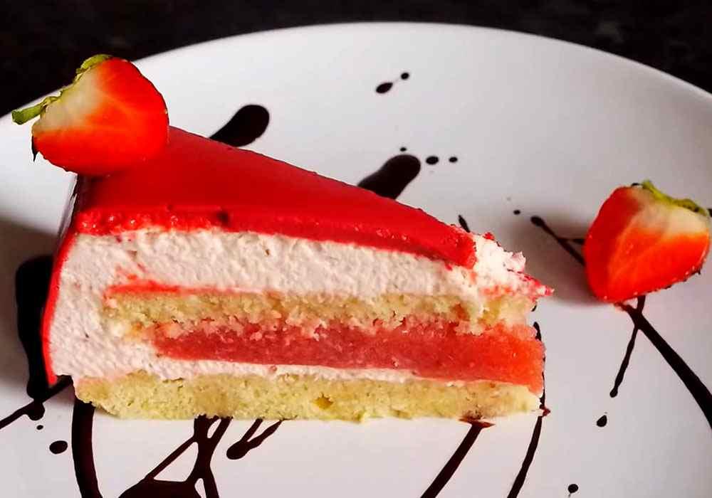 Муссовый торт с зеркальной глазурью и клубникой - пошаговый рецепт, фото 1