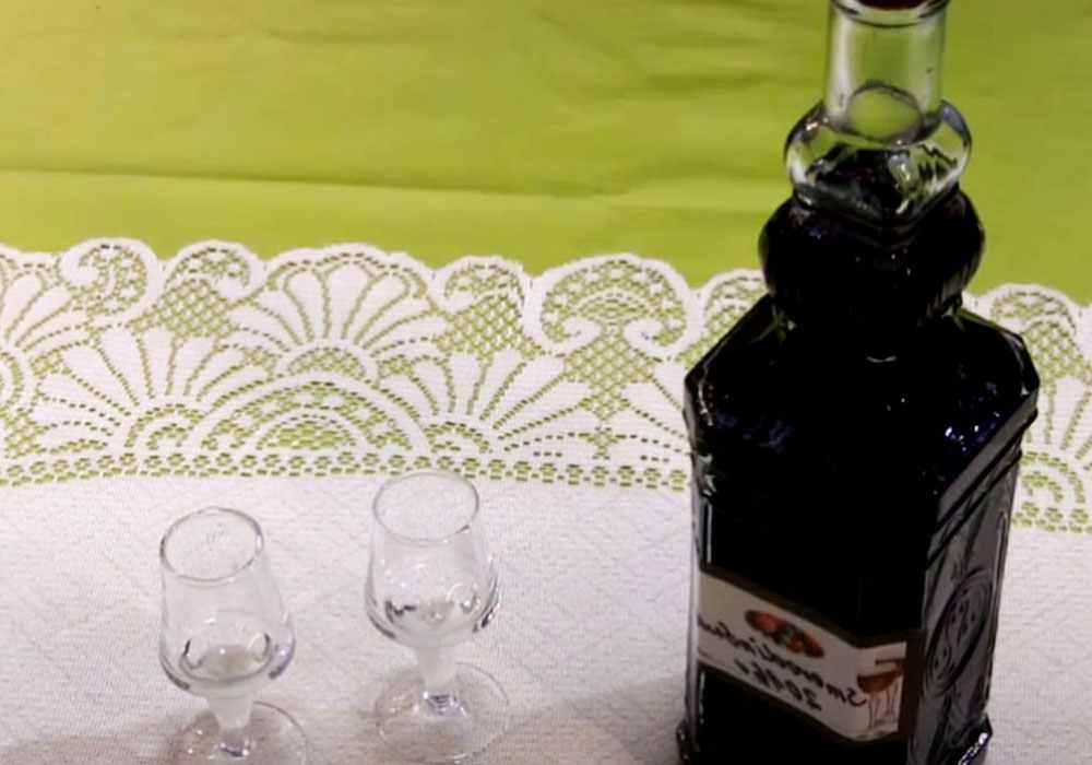 Настойка из черной смородины на водке - пошаговый рецепт, фото 1